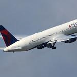 N1402A - Delta Boeing 767-300 thumbnail