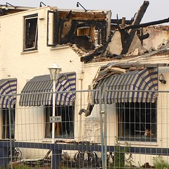 After the fire (simonpfotos) Tags: decayabandoned crazytuesdaytheme 7dwf