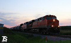 BNSF 6022 Leads EB L570 Manifest Alden, IA 6-29-18 (KansasScanner) Tags: iowa iowafalls ackley buckeye alden cn csx up ns bnsf iarr train railroad sunset