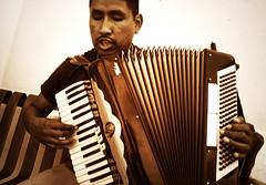 Acordeonista en Cuautla (Harry Szpilmann) Tags: blind music accordion people cuautla portrait mexico streetphotography monochrome sepia mexique