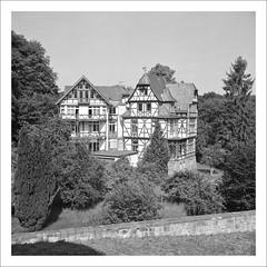 half timbered houses (macfred64) Tags: film analog mediumformat 120 6x6 rolleiflex35f czplanar fujineopan400cn bw blackandwhite c41 marburg hessen homeland germany