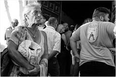 Teneriffa 2018 0981 (fotohama) Tags: tenerife lanoche de los volcanes teneriffa nacht der vulkane puerto cruz santa folklore kanaren canarien hamacher gangelt bw bbw fine art reisen travel schwarz weis nikon x100f fuji personen menschenmenge sport meer sea zeit time tilt shift strasenbilder haare verschwommen baum gedanken erinnerungen photo streetframes hair blurred memories sw foto fotografie street analog photography santelmo ziegen cruzdelcarmen