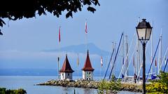 Entrée du Vieux Port (Diegojack) Tags: morges vaud suisse d7200 nikon nikonpassion paysages léman tourelles port vieux calme douceur groupenuagesetciel