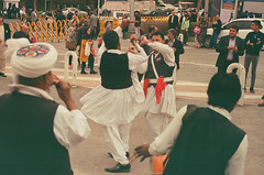 (maryam_mzadeh) Tags: film fuji canonae1 dancers