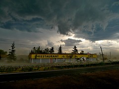 Nationale 7 (Didier Hubert Photography) Tags: didierhubert didierhubertphotographe photographie photography europe france allier rn7 «auvergnerhônealpes» été summer route road ciel sky nuages clouds orage thunderstorm vent wind restaurant diner