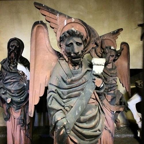 Sculptures aux allures de rockers sur une pochette 🎸Barrage #vauban #strasbourg #strasgram #strasbourg_eurometropole #strasbourgmonamour