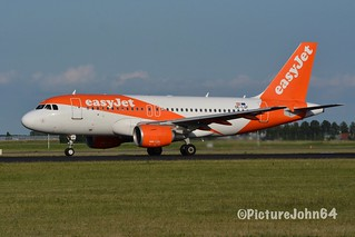 EZY2162 EasyJet Airbus 319 (OE-LQF) departing from Schiphol Amsterdam to London Luton