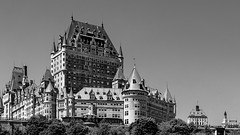 Vieux-Québec 2018-29a (Agirard) Tags: chateaufrontenac frontenaccastel bw blackandwhite quebec canada quebeccity noiretblanc nb sony a7ii loxia35 35mm loxia zeiss