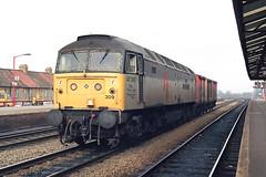 "47309 ""The Halewood Transmission"" at Oxford (Railpics_online) Tags: thehalewoodtransmission 47309 oxford vanwide class47 brush type4 coco loco locomotive"