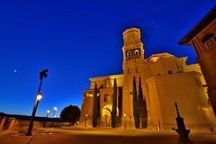 EN VILLAFRANCA (NAVARRA) (alfredo2057) Tags: alfredo azul arbol santa farola iglesia noche nikon luz largaexposicion luna navarra nocturna pueblo color cielo casa