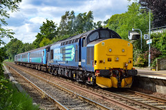 37425 + 37405 - Brundall - 16/06/18. (TRphotography04) Tags: direct rail services drs 37425 sir robert mcalpine concrete bob 37405 arrive brundall working 2p26 1536 norwich great yarmouth