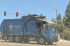 Republic Services Truck 6-28-18 (2) (Photo Nut 2011) Tags: california garbagetruck trashtruck sanitation wastedisposal waste truck garbage junk trash refuse sandiego republicservices