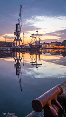 Harbor Sunrise (kornflakezzz) Tags: harbor hafen sunrise sonnen aufgang colors water ship crane sony alpha a57 sigma northcraft