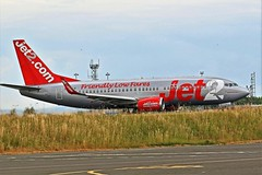 G-CELV JET2 BOEING 737 NEWCASTLE (toowoomba surfer) Tags: jet2 airline airliner aviation aircraft boeing b737 ncl