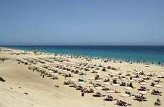 La spiaggia di Morro Jable - Morro Jable beach (Roberto Marinoni) Tags: canarie canaryislands spiaggia beach sabbia sand oceano ocean spagna morrojable