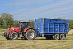 Massey Ferguson 7720S Tractor drawn by a Broughan Engineering Mega HiSpeed Trailer (Shane Casey CK25) Tags: massey ferguson 7720s tractor drawn broughan engineering mega hispeed trailer mf red agco traktor traktori tracteur trekker trator ciągnik innishannon silage silage18 silage2018 grass grass18 grass2018 winter feed fodder county cork ireland irish farm farmer farming agri agriculture contractor field ground soil earth cows cattle work working horse power horsepower hp pull pulling cut cutting crop lifting machine machinery nikon d7200