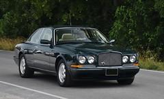Bentley Continental R (Custom_Cab) Tags: bentley continental r coupe black car 2door 2 door 1992 1993 1994 1995 1996 1997 1998 1999 2000 2001 2002 2003 continentalr green