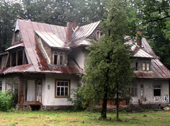 rainy day in Zakopane.. (iwona_kellie) Tags: zakopane walk rainy day rain poland june 2018 trip travel town city homes