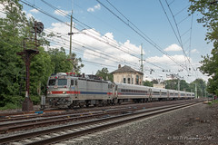 SEPTA Train #9559 @ Bryn Mawr, PA (Darryl Rule's Photography) Tags: 2018 acs64 aem7 amtrak bomberset brynmawr buckscounty catenary citiessprinter clouds cloudy delawarecounty eastbound electric inbound july keystonecorridor keystoneservice mainline neshaminyfalls outbound pa prr passenger passengertrain pennsy pennsylvania pennsylvaniarailroad railroad railroads readinglines readingrailroad septa spax summer sun sunny tower train trains villanova westbound
