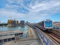 RET metro at Maashaven (sander_sloots) Tags: maashaven rotterdam metro subway train trein metrostel set viaduct mg21