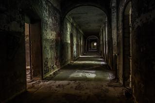spooky floor_B1_eff