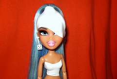 You could be me and I could be you; Always the same and never the same (Bratzjaderox™) Tags: reroot forever diamondz diamonds fianna icon bratz robot latex white clean modern space immaterial hot bitch slut yasmin barbie myscene mattel mga mgae