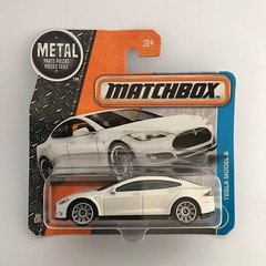 Mattel Matchbox - Matchbox Series - Number 26 / 125 -  Tesla Model S - Miniature Die Cast Metal Scale Model Vehicle (firehouse.ie) Tags: toys toy white automobile l'auto coche car electric models tesla model metal miniatures miniature matchbox mattel