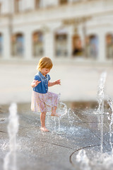 Happiness (_Sylvian) Tags: depthoffield dof lublin baby family familytime fountain fun happiness happy holidays kid kids oldtown parenthood parenting people playing poland polska summer toddler vacation water waterdrops
