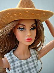 The Wild Thing Poppy (Deejay Bafaroy) Tags: fashion royalty fr integrity toys doll puppe barbie poppy parker thewildthing portrait porträt hat hut