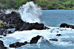 Point of impact (thomasgorman1) Tags: rocks rocky lavarock sea ocean tide wave waves nikon nature hightide shore coast island molokai