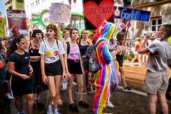 CSD münchen 2018 (fotokunst_kunstfoto) Tags: csd2018münchen csdmünchen csd csd2018 schwule lesben gay gayparade christopherstreetdaymünchen csdmünchen2018 politparade2018 pride prideparade prideweekend tran bisexuellen schwulen gays gayparadelsbti lsbti münchen 2018politparadeprideparadegayparadegaygaysschwulenlesbenbisexuellenlsbti csdmuc pridemunich lgbt loveislove queer lesbian transgender bi flag rainbow drag