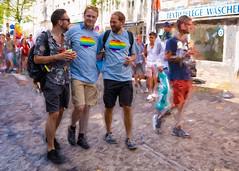CSD münchen 2018 (fotokunst_kunstfoto) Tags: christopherstreetdaymünchen csdmünchen2018 politparade2018 pride prideparade prideweekend tran bisexuellen lesben schwulen gays gayparadelsbti lsbti csd münchen 2018politparadeprideparadegayparadegaygaysschwulenlesbenbisexuellenlsbti csd2018 csdmuc pridemunich lgbt loveislove queer gay lesbian transgender bi flag rainbow drag