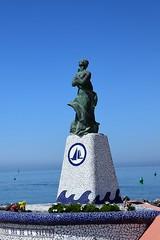 Nuestra Señora de la Salud  (Benalmádena, Andalucía, España, 15-6-2018) (Juanje Orío) Tags: 2018 benalmádena provinciademálaga andalucía españa espagne espanha espanya spain escultura sculpture religión agua water mar sea mediterráneo