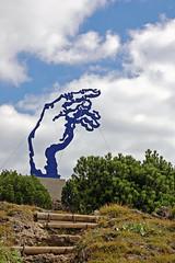 Ruhpolding - Rauschberg (08) - »Adams Hand« (Pixelteufel) Tags: ruhpolding bayern bavaria alpen tourismus rauschberg gebirge bergwelt plastik skulptur bildhauerei figur gestalt kunst metallplastik metallskulptur