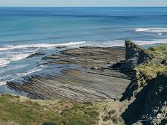 Euskadi - 18 (Mukis_trip) Tags: mar see landscape paisaje marea costa coast nature geologia estratos