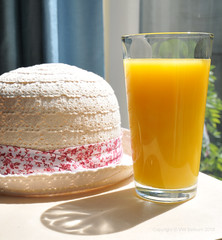 Pure orange juice (Vee living life to the full) Tags: food drink nuts hat orange glass organic pure fruit juice orangensaft snack handful shell dish shadow table sunshine thirst hunger natural