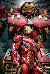 Hulkbuster (I AM LESLIE . JT) Tags: ironman hulkbuster hottoys ironmanmark47 ironmanmark45 marvel avengers captainamerica blackpanther warmachine blackwidow spiderman sony portrait 90mm macro