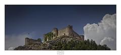 El castillo de Aguilar/ Aguilar castle (Jose Antonio. 62) Tags: spain españa castillayleón palencia aguilardecampoo castillo castle clouds nubes fortaleza fortress