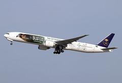 HZ-AK43 (JBoulin94) Tags: hzak43 saudia saudi arabian airlines boeing 777300er special livery washington dulles international airport iad kiad usa virginia va john boulin