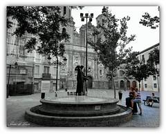 Fuente de la Samaritana (jesus.de.leon1) Tags: fuente agua blanco y negro gente zaragoza iglesia