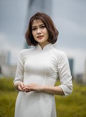 DSC05414 (wickjohn29) Tags: portrait vietnam aodai girl sony 85