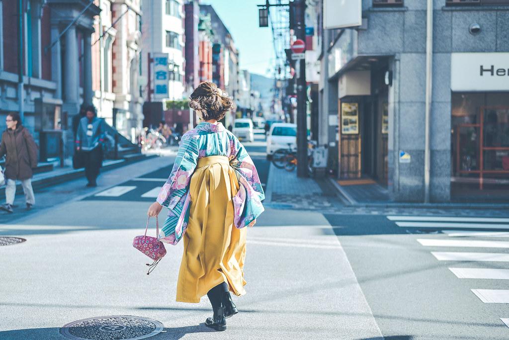 walking around kyoto in kimono-1-2