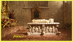 Siviglia (fr@nco ... 'ntraficatu friscu! (=indaffarato)) Tags: spagna spain españa espanya espana andalusia andalucía siviglia cattedrale scorcio