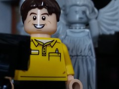Dont blink 1 (eddiemck123) Tags: lego moc minifigure toy doctorwho weepingangle selfie selfiestick horror funny photography