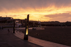Playa del Arbeyal. Gijón. (David A.L.) Tags: asturias asturies gij playa playadelarbeyal atardecer puestadesol ocaso cielo luz