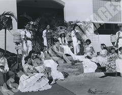 923- 5556 (Kamehameha Schools Archives) Tags: kamehameha archives ksg ksb ks oahu kapalama luryier pop diamond 1955 1956 lei day