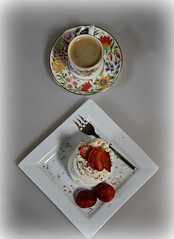 2018 Sydney: Mint Choc Chip Ice Cream (dominotic) Tags: 2018 food coffee fruit dessert mintchocchipicecream strawberries meringue whippedcream gratedchocolate sydney australia