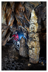 Peña Gingia - Formaciones (Sorginetxe (Iñigo Gómez de Segura)) Tags: cueva cave caving cavidad peñagingia gorbea speleophotography subterránea fotografíasubterranea iñigogomezdesegura ilunpeart espeleología espeleofotografía espeleofotografo espeleotemas espelotema estalagmita