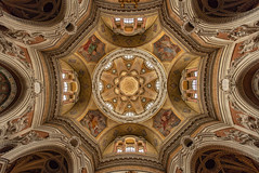 Look-up symmetry (reinaroundtheglobe) Tags: church lookup architecture towardsthesky symmetry symmetrical paintings torino italy cathedral