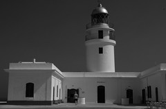 Far de Cavalleria, Menorca (herbert@plagge) Tags: fardecavalleria leuchtturm menorca capdecavalleria spanien balearen architektur lighthouse architecture balearicislands spain blackandwhite